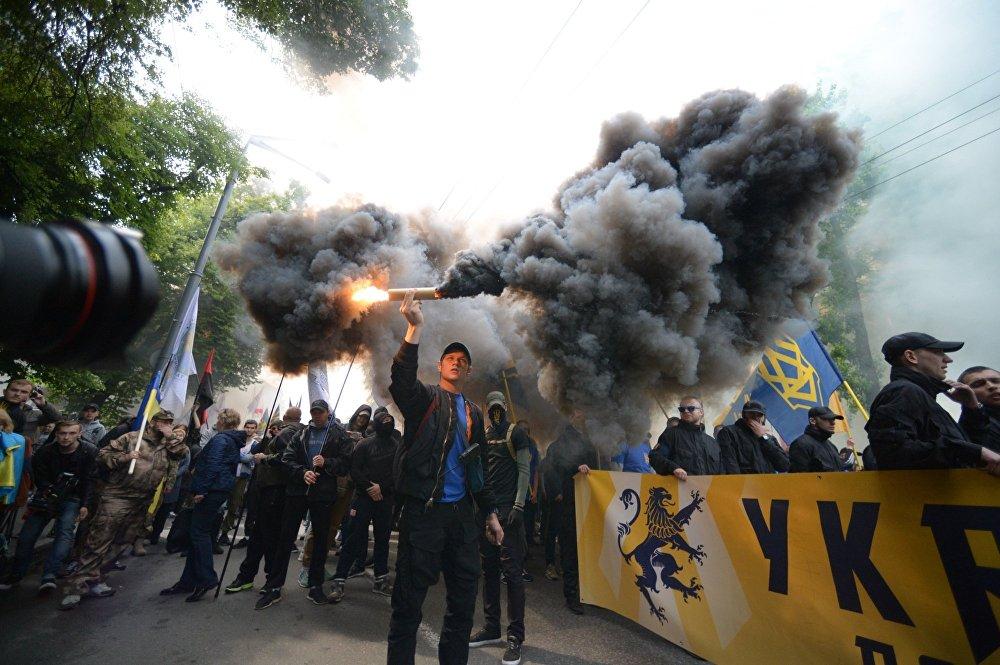 Вы трудитесь, а мы — отдыхать. Депутаты оставили украинцев без реформ. Устали