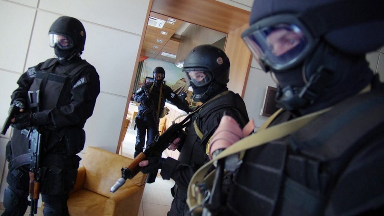 Кабинетный стратег Вятрович рассказал о том, как надо воевать и об избавлении от русского языка