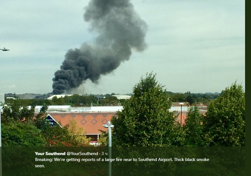 Появилось видео мощного пожара в известном аэропорту Лондона