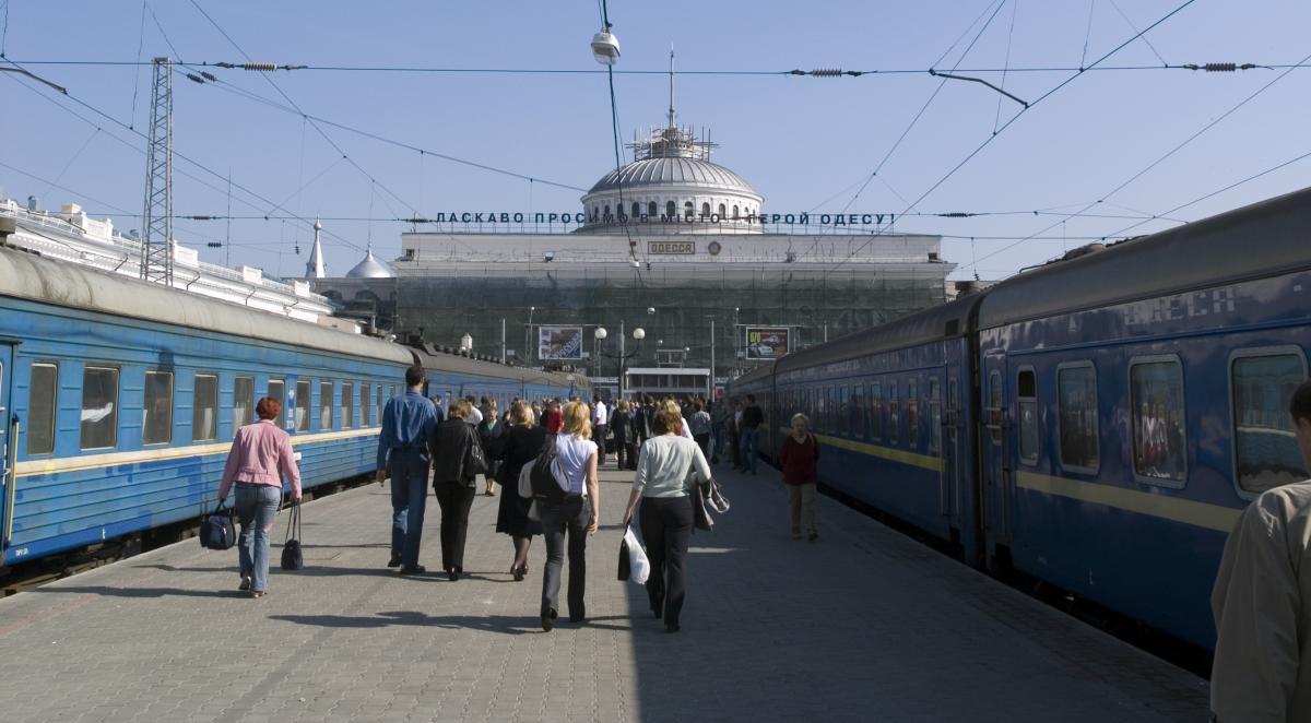 В Киеве срочно эвакуировали Центральный вокзал. Паника, жара и дикая суета