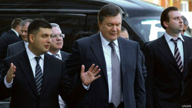 Как всегда: вместо депутата в Киеве по людям стрелял его охранник. А депутат вас всех любит!
