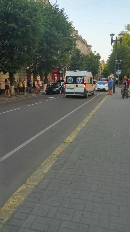 Резонансное ДТП: 26-летний экс-прокурор на элитном авто сбил пешехода