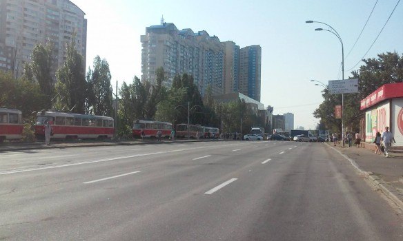 Киевские пляжи внезапно стали «безопасными». Пойдет ли Кличко купаться?