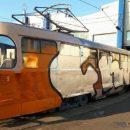 Столичный беспредел: водителю трамвая разрисовали лицо краской, а потом взялись и за его «железного коня»