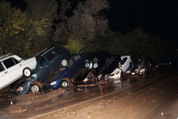 Украинцы набросились на власть: уберите смертельные дороги!