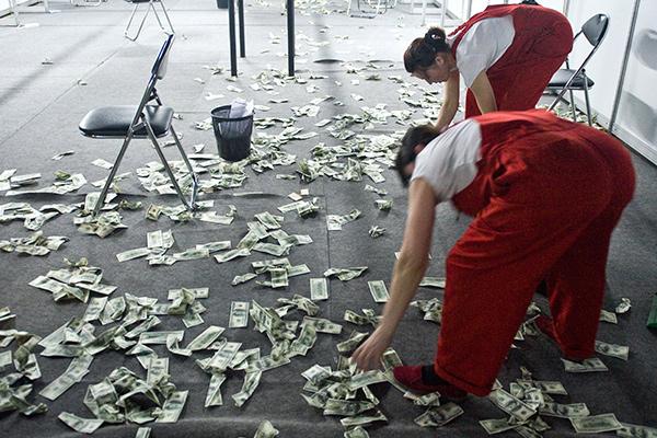 Пенсионное «кидалово»: сколько украинцев не получат прибавки к пенсии