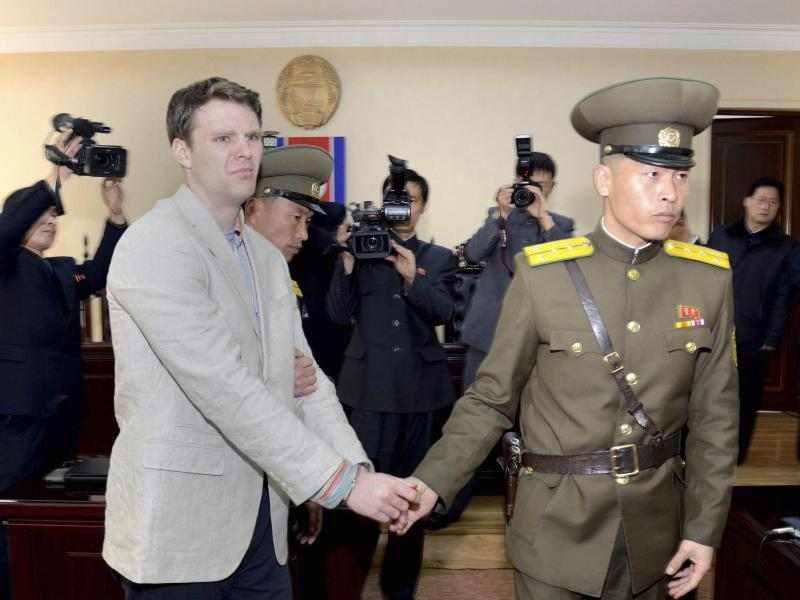 Впечатлительным не читать! Пытки плоскогубцами: как в КНДР пытали американца