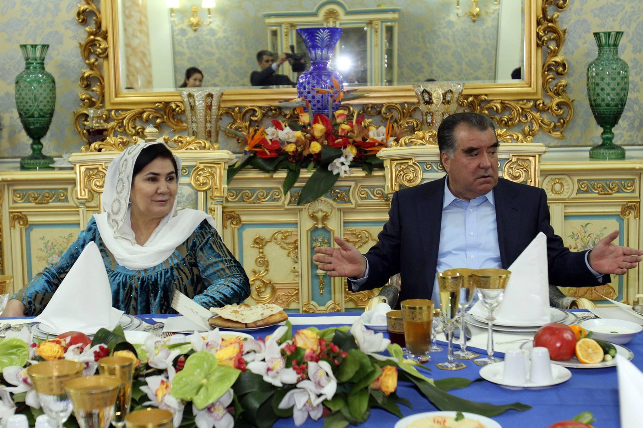 Прилет президента Таджикистана в местное село начался с убийства директора аэропорта