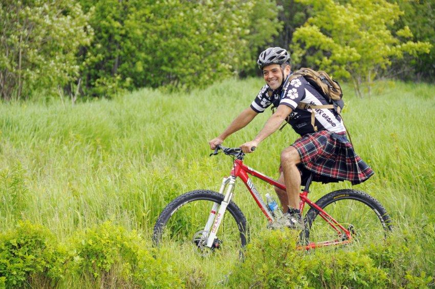 Современный Вилли Фог: шотландский велосипедист установил невероятный рекорд
