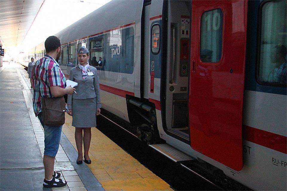 """Скандальный """"проводник Саакашвили"""" получил награду за задержку поезда"""