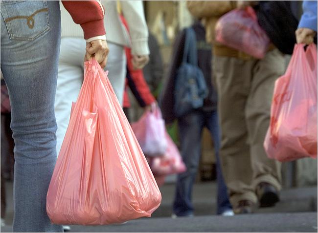 Берем курс на Европу: пластиковые пакеты — вне закона
