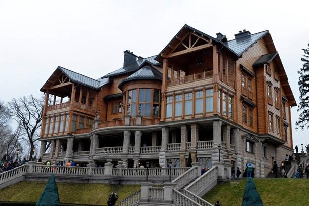 Домик Януковича стал резиденцией французского генерала
