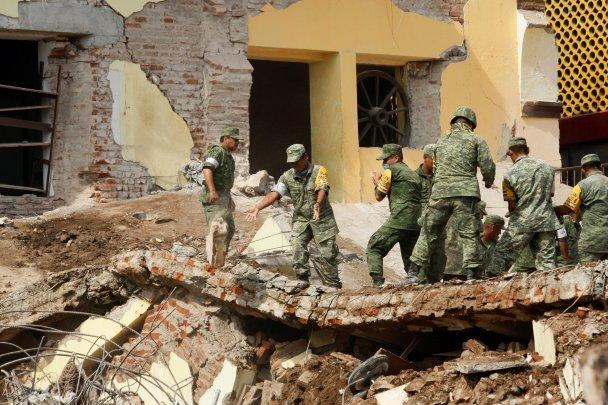 Число погибших в результате землетрясения в Мексике достигло 293 человек