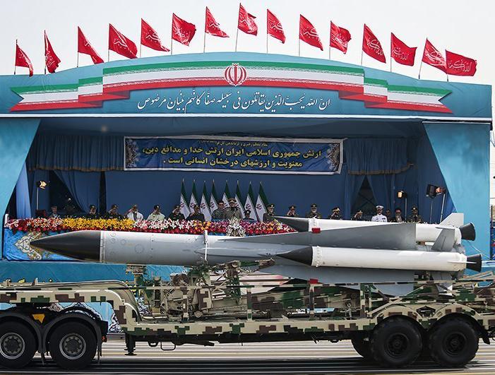 Иран провел успешное испытание новой баллистической ракеты