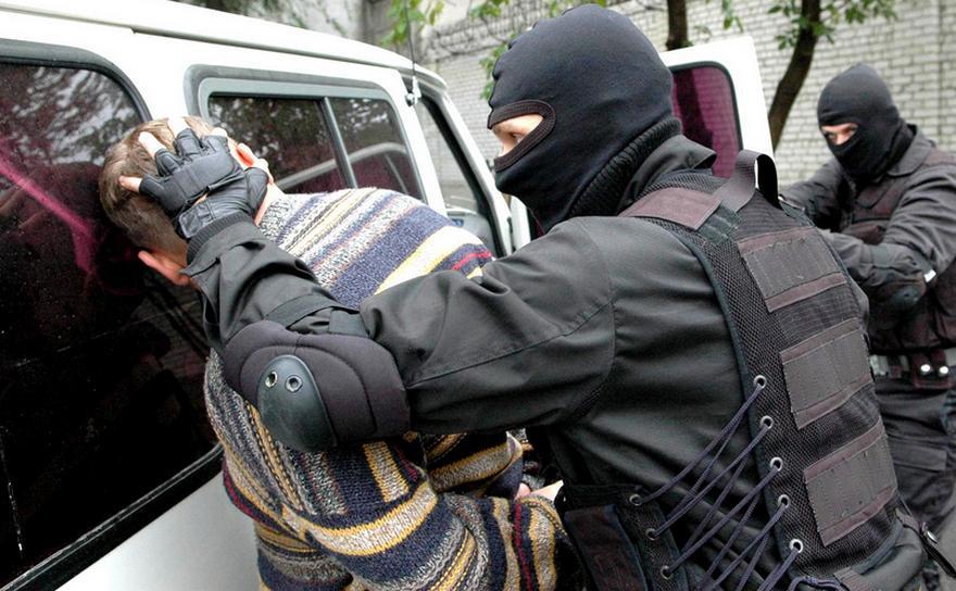 В Киеве на взятке задержали директора госпредприятия и его заместителей