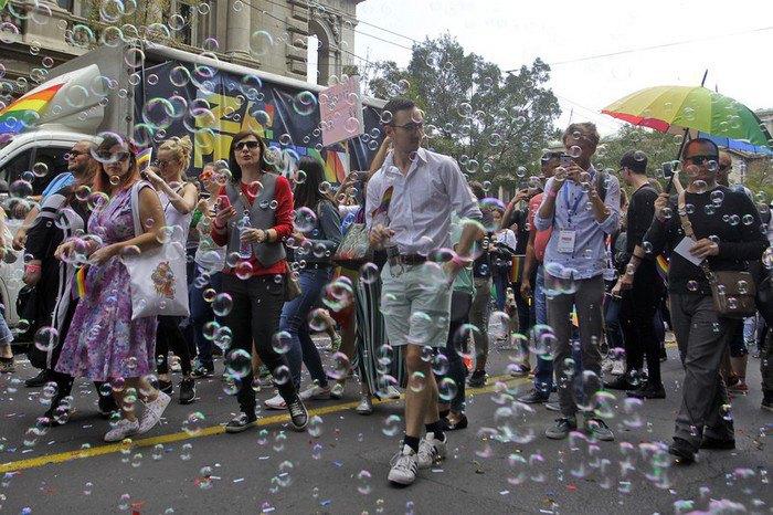 Премьер-министр Сербии торжественно открыла гей-парад