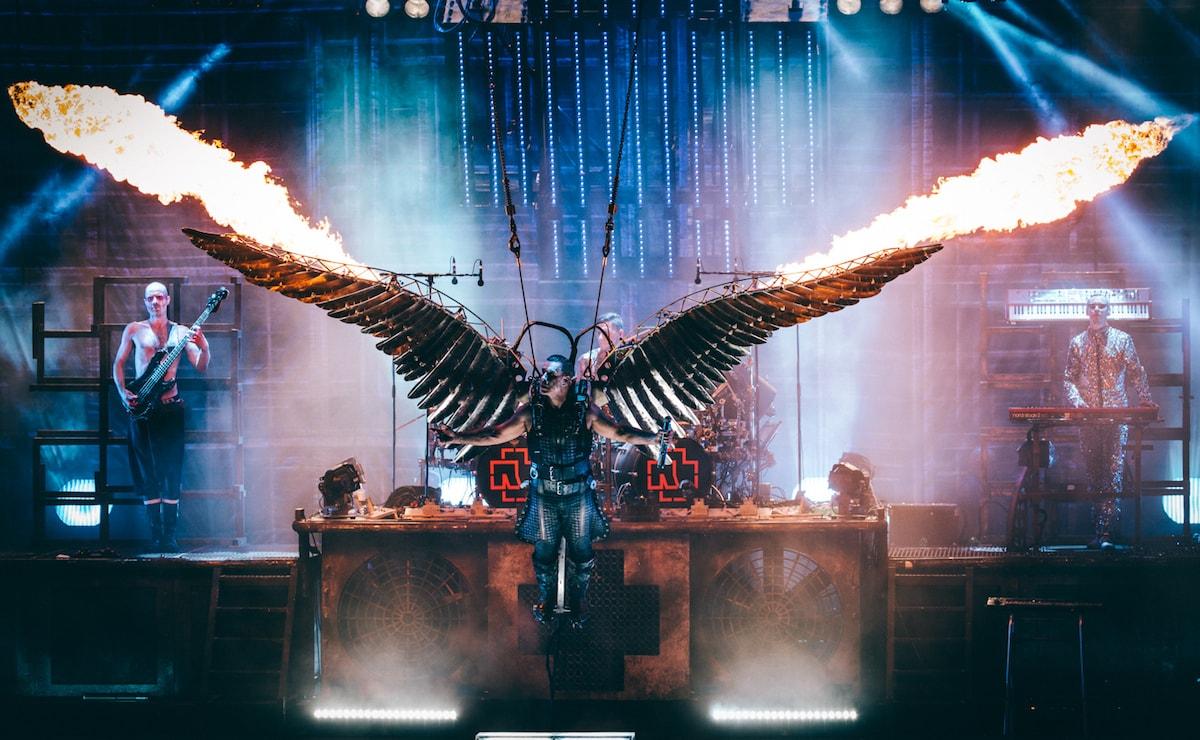 Твою Mutter: Rammstein дает прощальный концерт и уходит со сцены