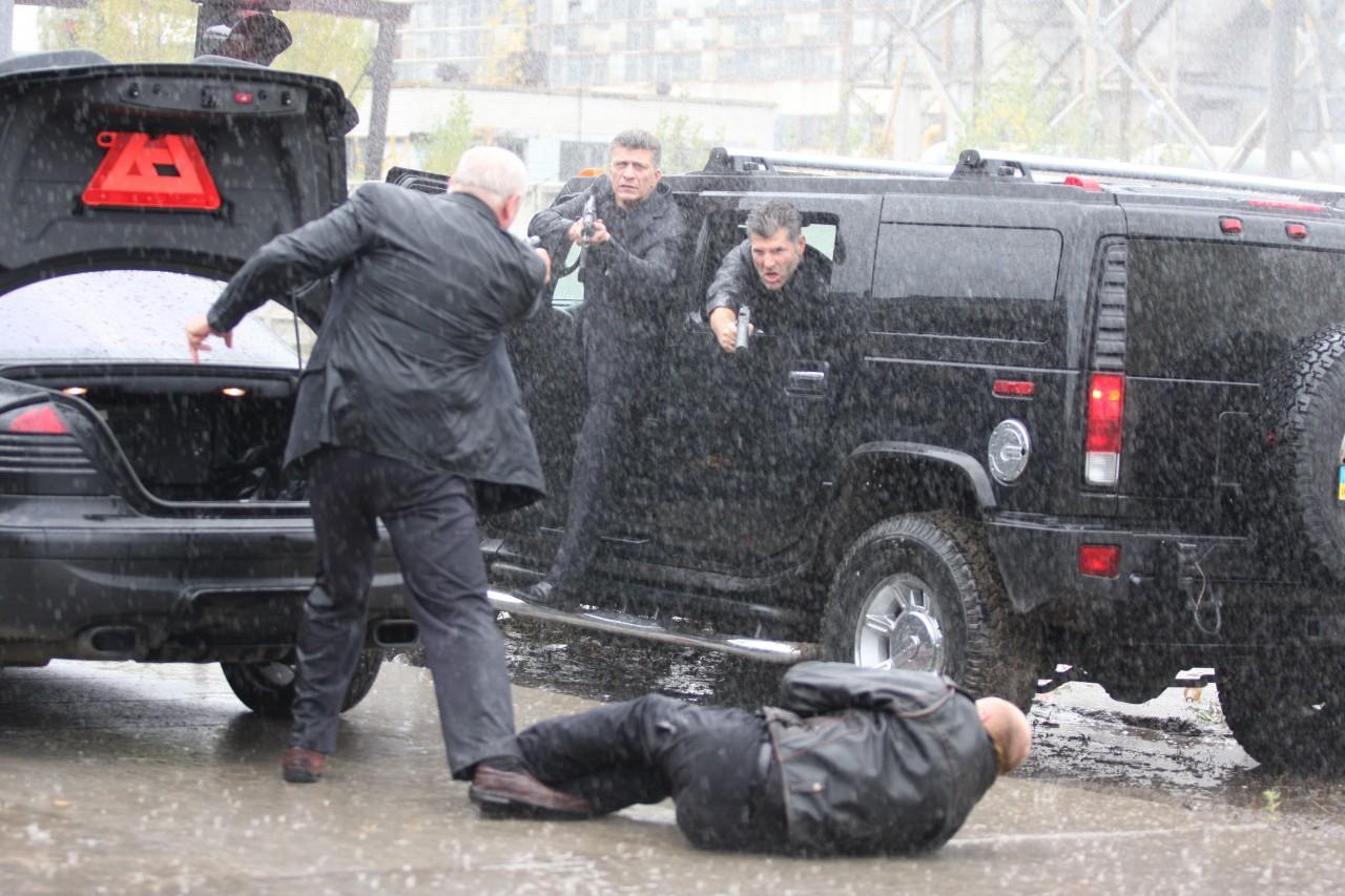 Разборка двух банд в Харькове: стрельба, камуфляжная форма и раненные