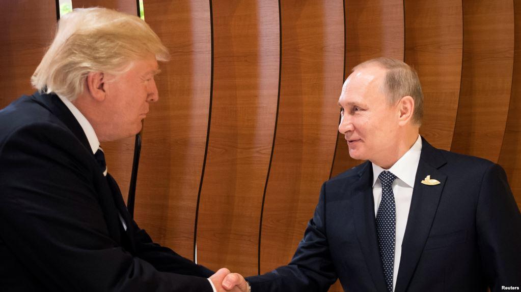 Трамп призвал защищать Украину. Правда, промолчал от кого. А Россию даже поблагодарил