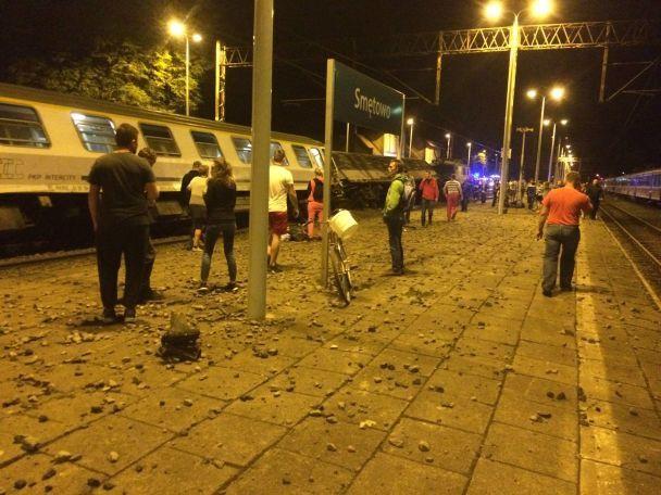 Железнодорожная катастрофа в Польше: появились подробности и фото