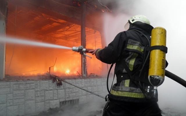 Погуляли на славу: после дня города в Одессе тушили автовокзал