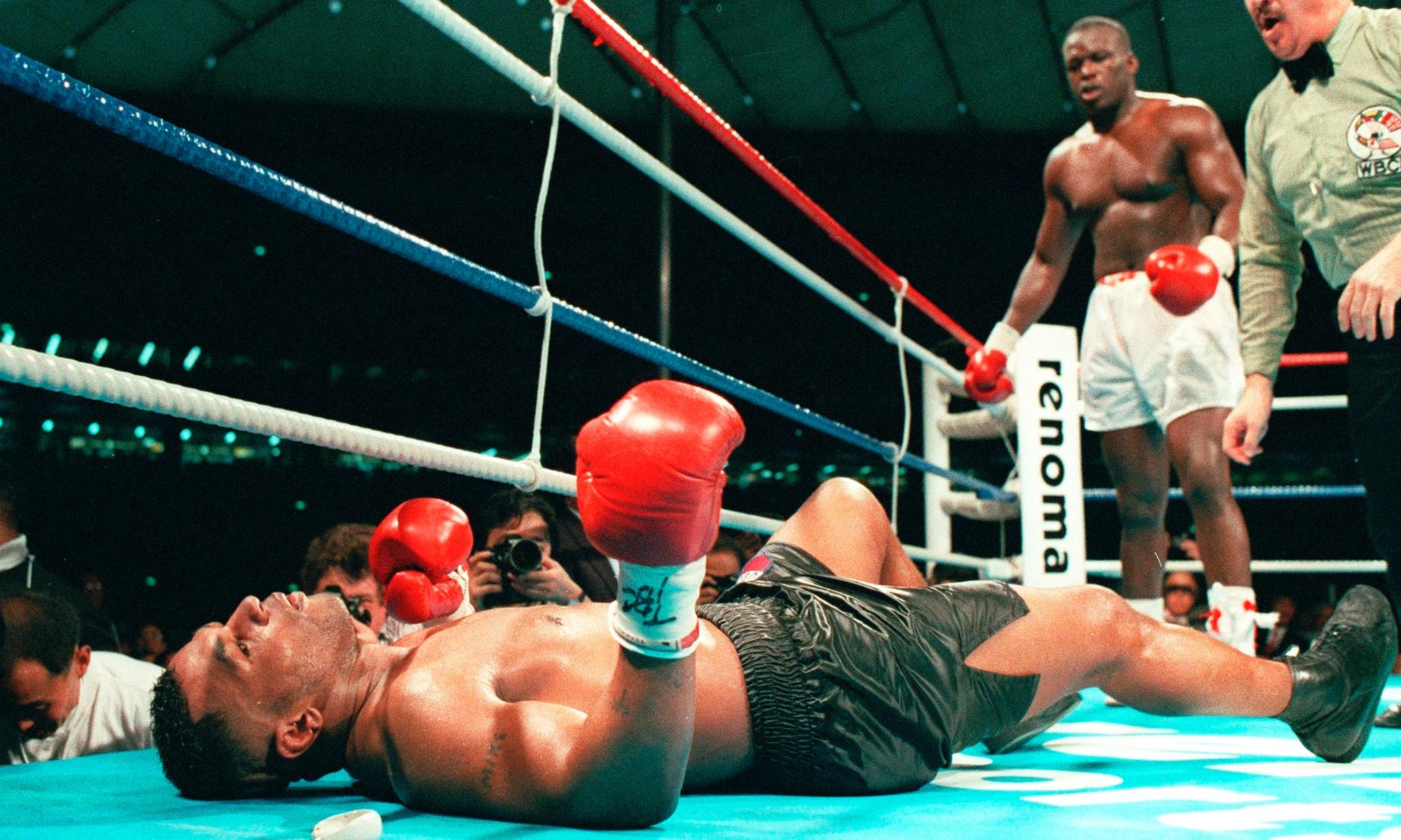 Самый быстрый нокаут в истории бокса: вырубил на второй секунде