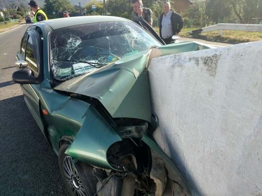 Смертельный отбойник:  львовские журналисты попали в жуткую автокатастрофу