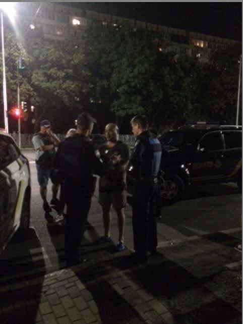 Пьяный водитель BMW сбил пешехода и получил тумаков от толпы очевидцев