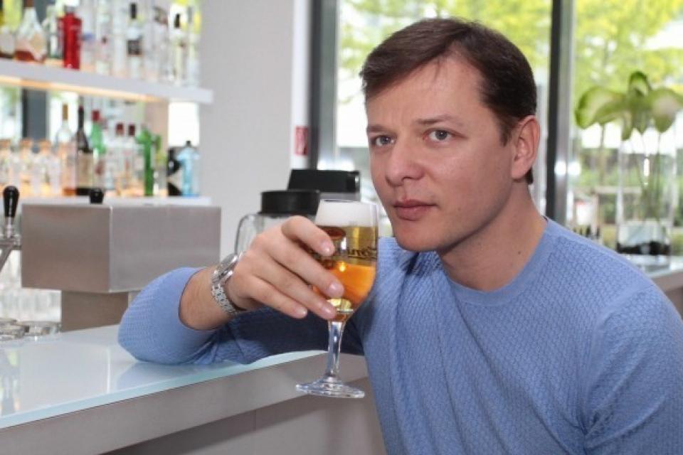 Пьяный друг Ляшко закатил скандал в эфире. Развезло на жаре?