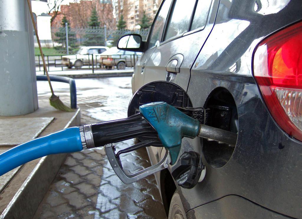 Пересаживаемся на маршрутку: цена на бензин обещает рекорд