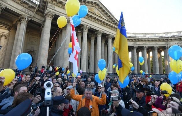 Санкт-Петербург протестует: нет войне с Украиной!