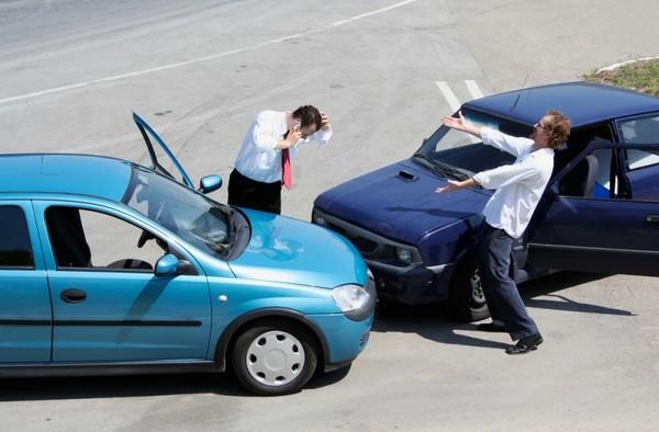 """Внимание: как вычислить """"автоподставщика"""" на дороге"""