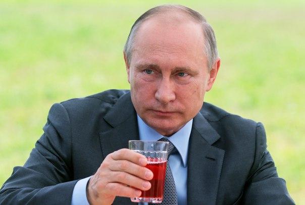 Путин после инсульта озадачил своим видом ученого