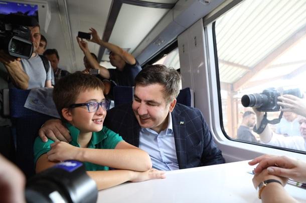 Михо упорный: Саакашвили изменил маршрут марафона