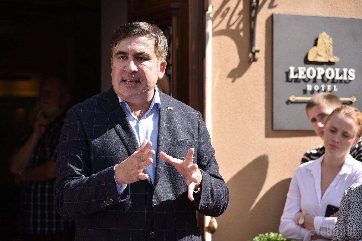 За Саакашвили взялись серьезно: в его отель ворвались полиция и пограничники