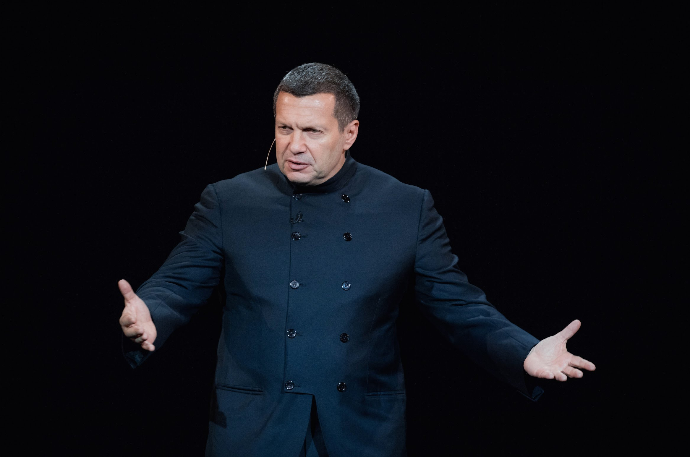 У кого больше? Путинский соловей похвастался перед порошенковскими реформаторами