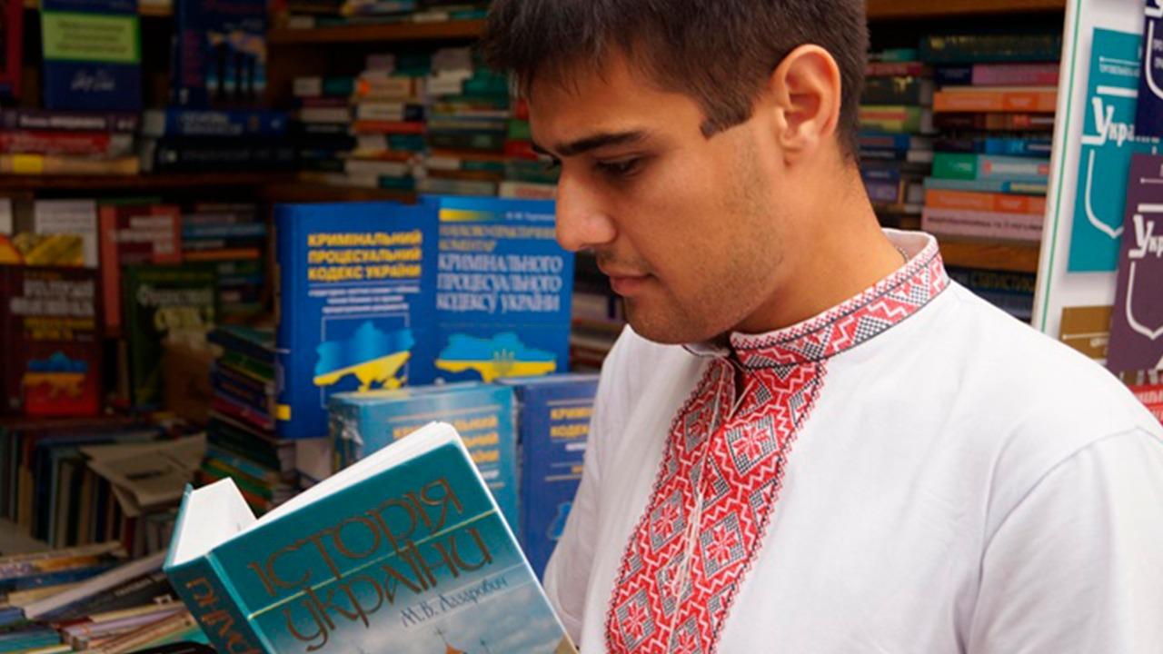 СКАНДАЛЬНЫЙ БЛОГ: С какой радости «гражданин Украины обязан уметь разговаривать на украинском языке»?