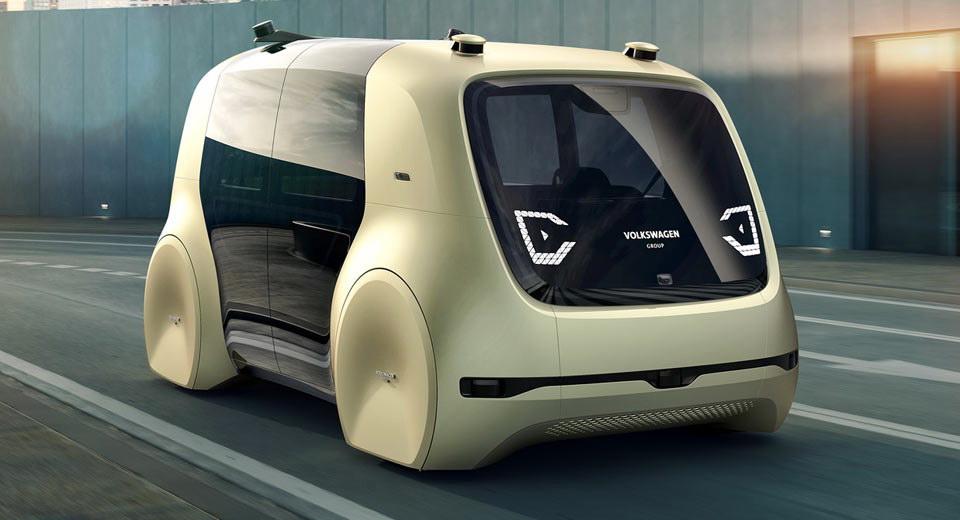 Автомобили без руля и педалей появятся в продаже в 2021 году
