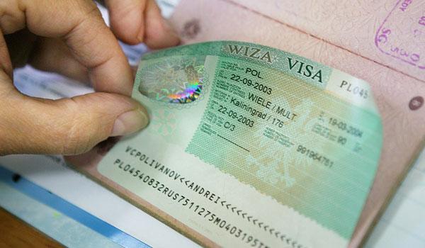 Фальшивый шенген: визовые дельцы массово обманывают украинцев