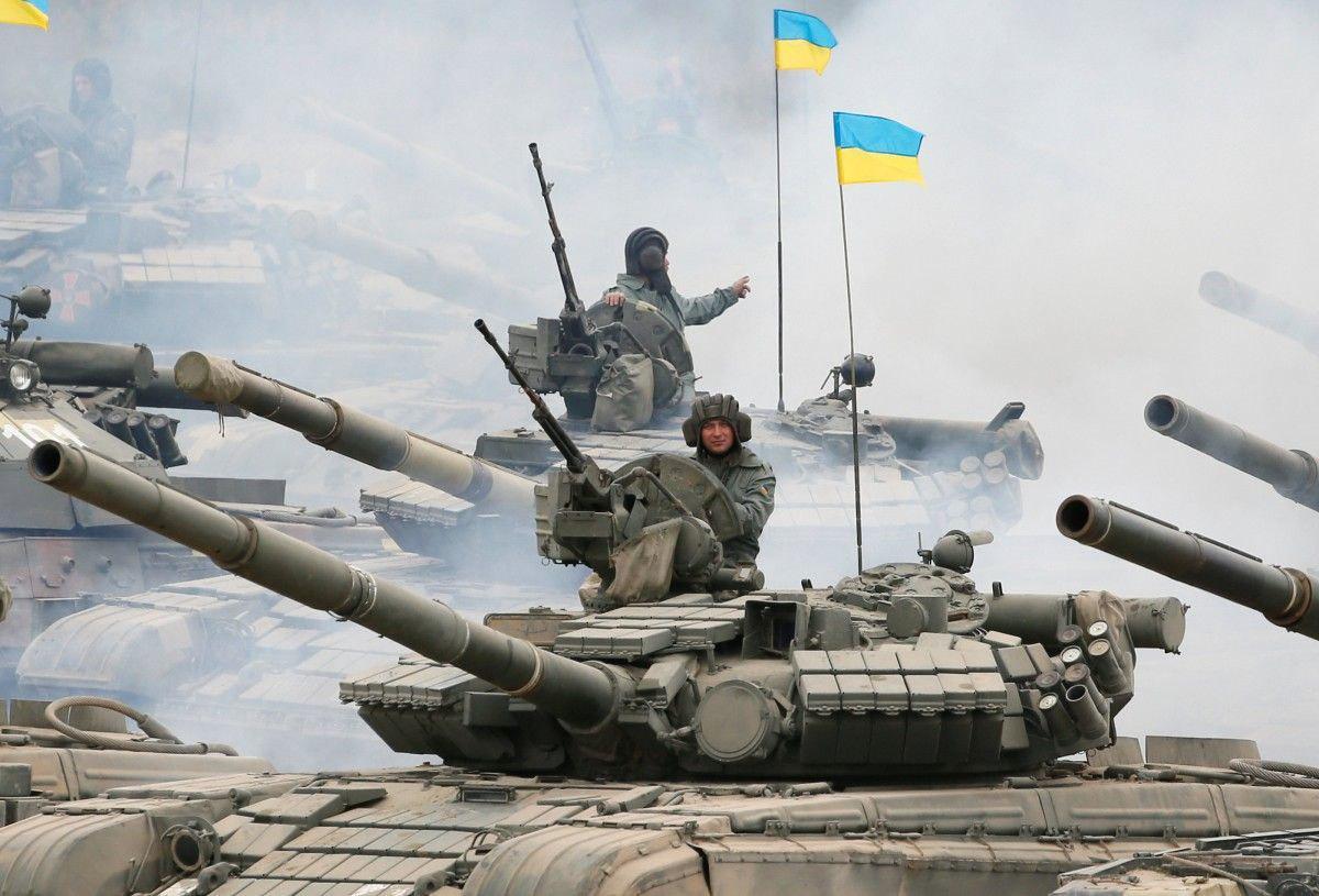 К чему бы это: по всей Украине стартовали серьезные военные учения
