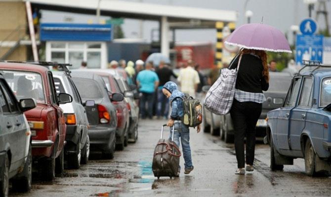Рабочий поток: количество украинцев, уехавших в Польшу, подходит к рекордной отметке