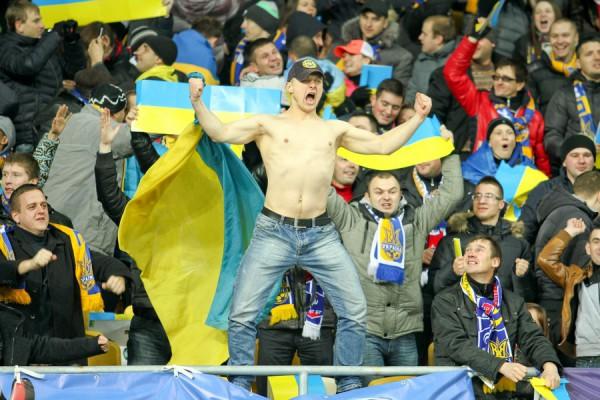 Голый украинский педагог шокировал зрителей на матче Украина — Турция