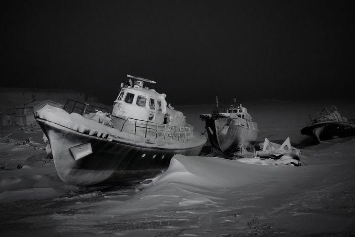 Британец показал руки после долгого заплыва по Северному ледовитому океану