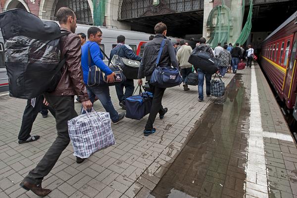 ВАЖНО! Теперь еще больше украинцев хлынут в Польшу. И вот почему