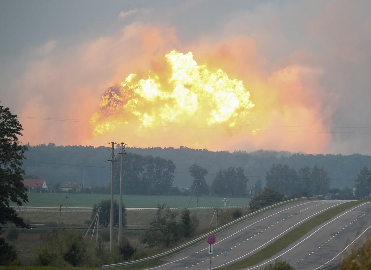 Вот так номер: причина взрывов в Калиновке раскрыта. Все из-за того, что мы воюем!