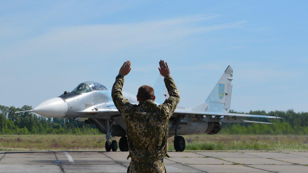 СРОЧНАЯ НОВОСТЬ! Под Хмельницким разбился военный самолет, есть жертвы