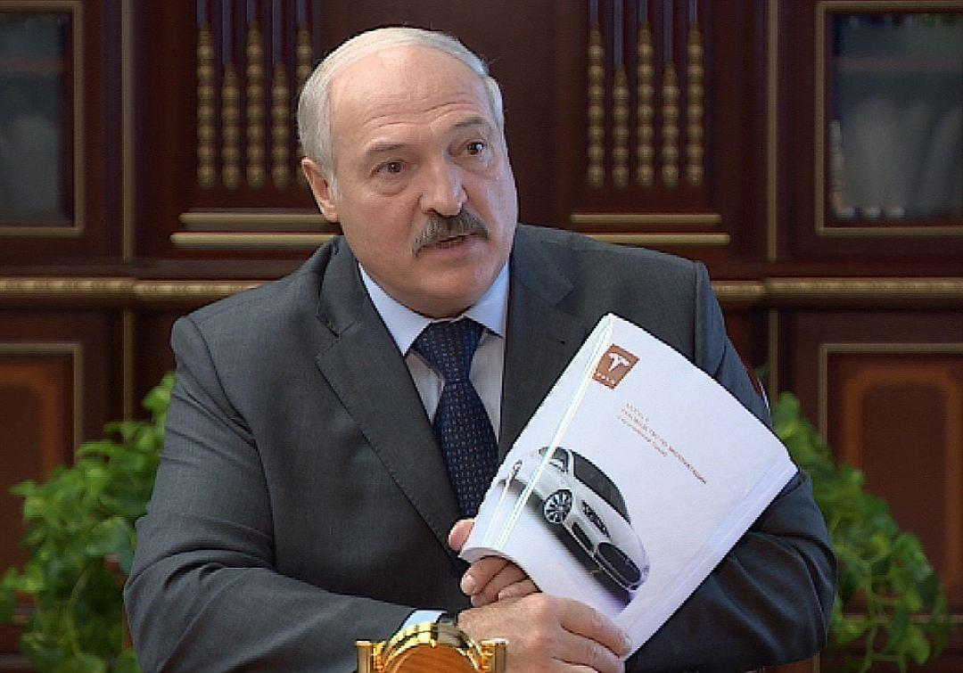 Лукашенко задумался о создании «бацькомобиля»
