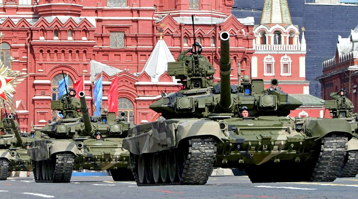 Складывается впечатление, что Россия готовится к большой войне