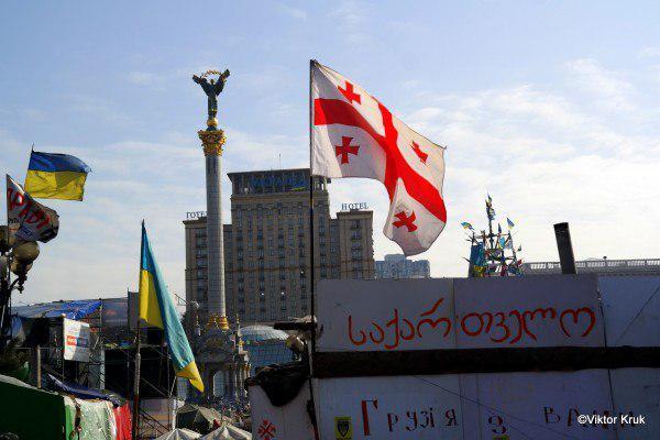 Соратник Саакашвили собирает Майдан у стен львовского отеля