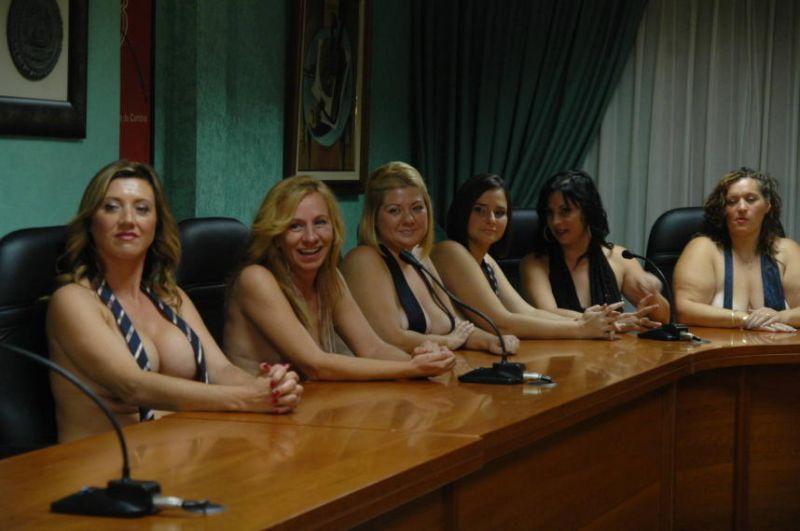 Юлия Тимошенко появилась в новом образе: учительница из фильмов для взрослых